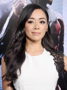 "Aimee Garcia (""Lucifer,"" ""El Chicano,"" ""Dexter"") as Jodie"