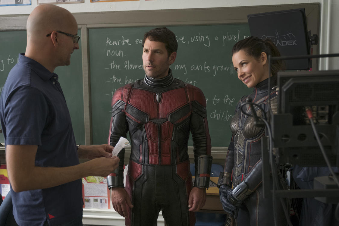 Director Peyton Reed, Paul Rudd (Ant-Man/Scott Lang) and The Wasp/Hope van Dyne (Evangeline Lilly) BTS on set.