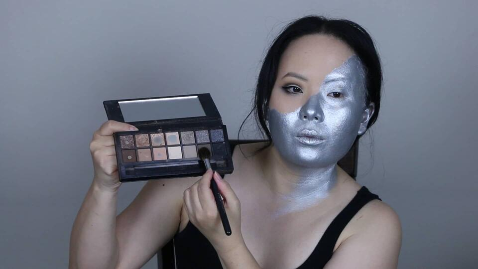 Emma Frost makeup