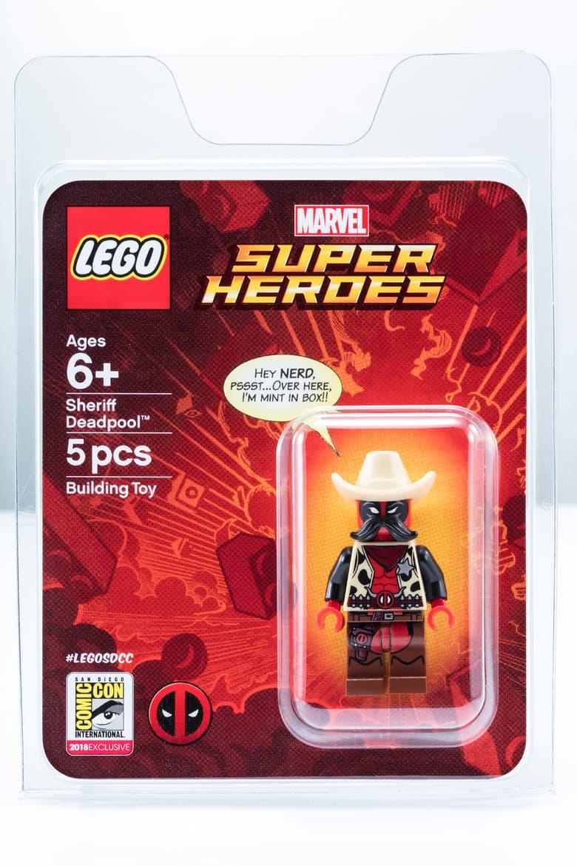Sheriff Deadpool LEGO Minifgure