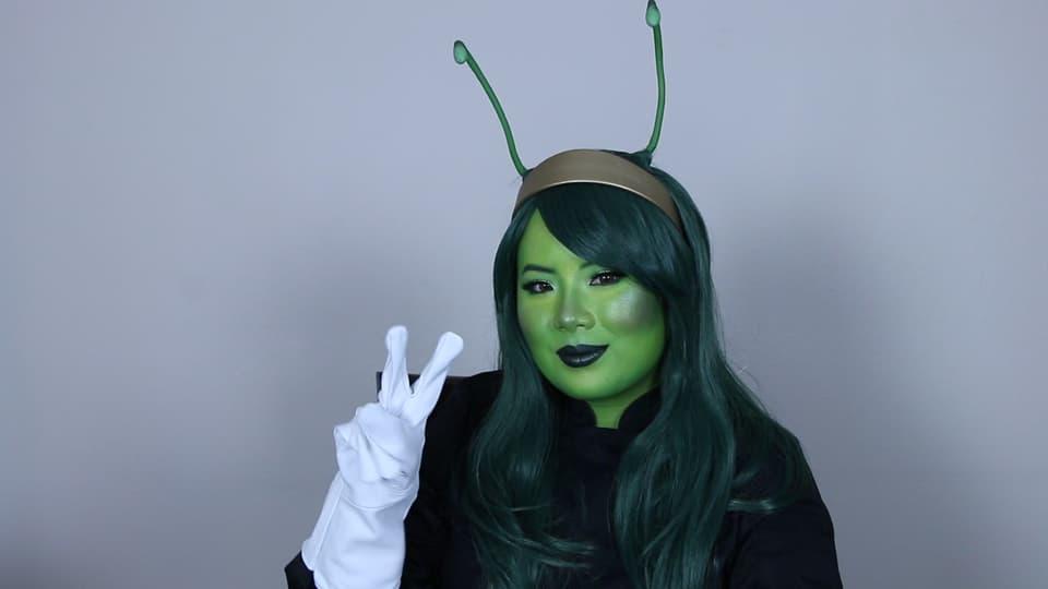 Mantis makeup