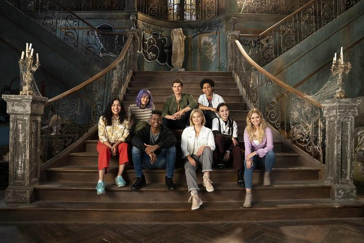 Marvel TV's RUNAWAYS and CLOAK & DAGGER Crossing Over This December
