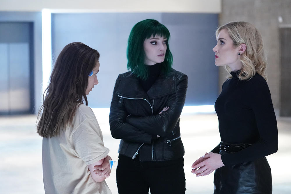 "L-R: Guest star Anjelica Bette Fellini, Emma Dumont and Skyler Samuels in the ""afterMath"" episode of THE GIFTED airing Tuesday, Oct. 30 (8:00-9:00 PM ET/PT) on FOX."