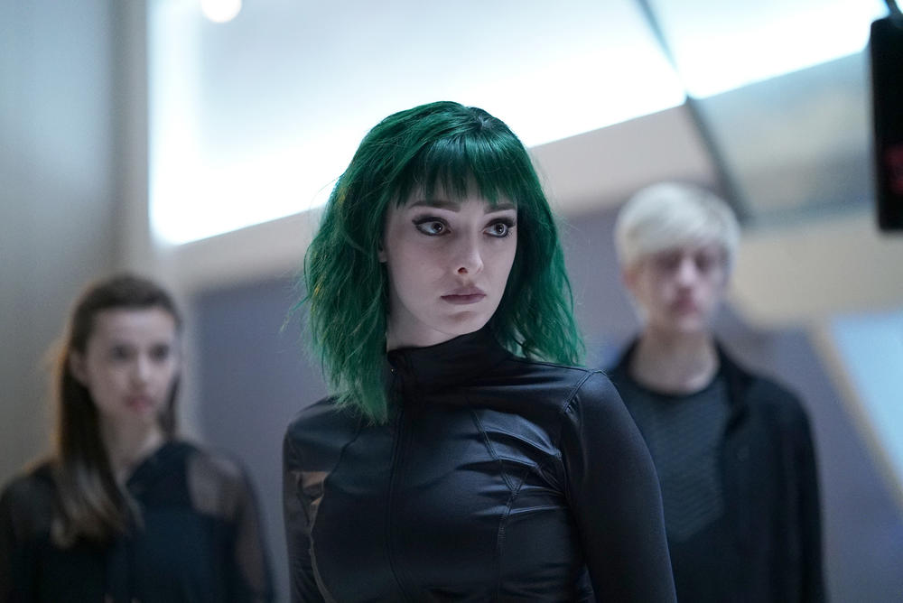 "Guest star Anjelica Bette Fellini, Emma Dumont and Percy Hynes White in the ""iMprint"" episode of THE GIFTED airing Tuesday, Nov. 6 (8:00-9:00 PM ET/PT) on FOX."