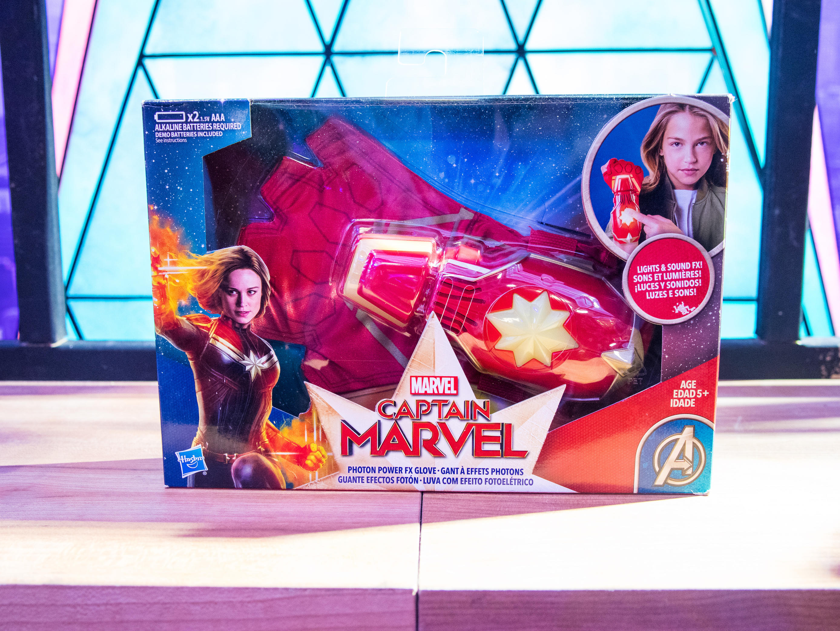CAPTAIN MARVEL MOVIE PHOTON POWER FX GLOVE