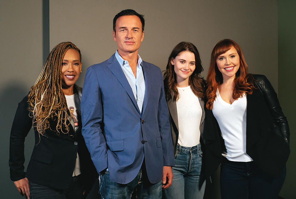 Hosts Lorraine Cink & Angélique Roché with Julian McMahon & Virginia Gardner