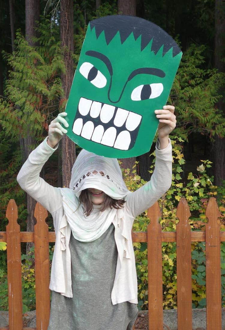 DIY Sakaar Costume with Hulk Champion Mask